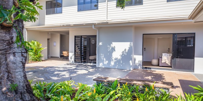 Blue Reef House - Garden - Cairns Kangarooms Student Living